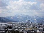 図7 素晴らしい山々に囲まれた街、会津若松.jpg