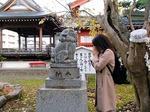 ●行きつけの湊稲荷神社で狛犬さんがグルグルですよ(笑)●.jpg