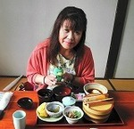●伊豆の某所で遅い昼飯●.jpg