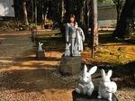 ●本殿後方の・・・、うーちゃん家族が奉納されている(いいんだか、悪いんだか)●.jpg